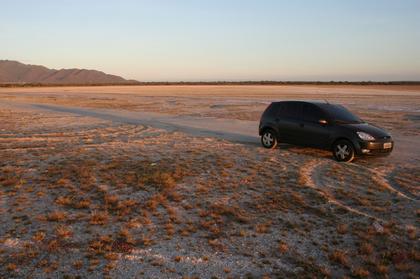A caminho da praia de conchinas, região deserta
